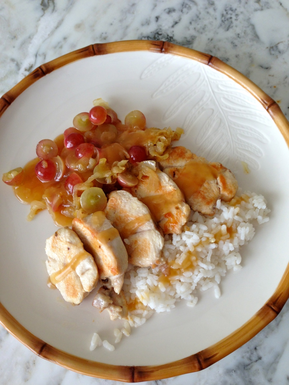 Pollo con salsa de uvas agridulce